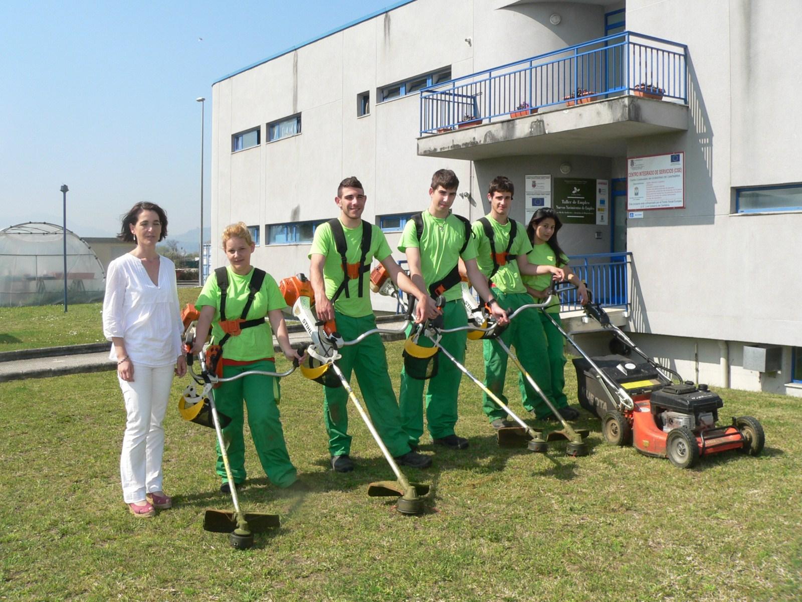 alumnos del curso de ayudantes de jardiner a comienzan