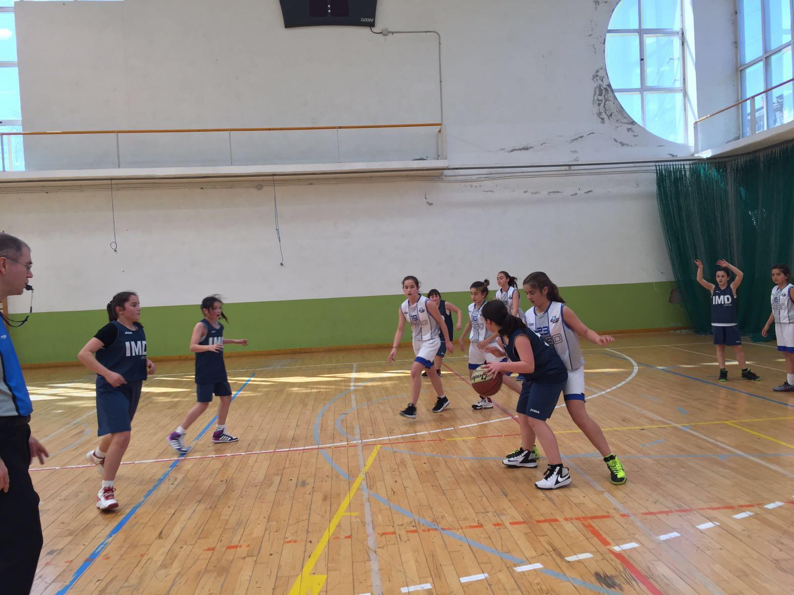 Convivencia club de baloncesto laredo en donostia for Oficina dni donostia