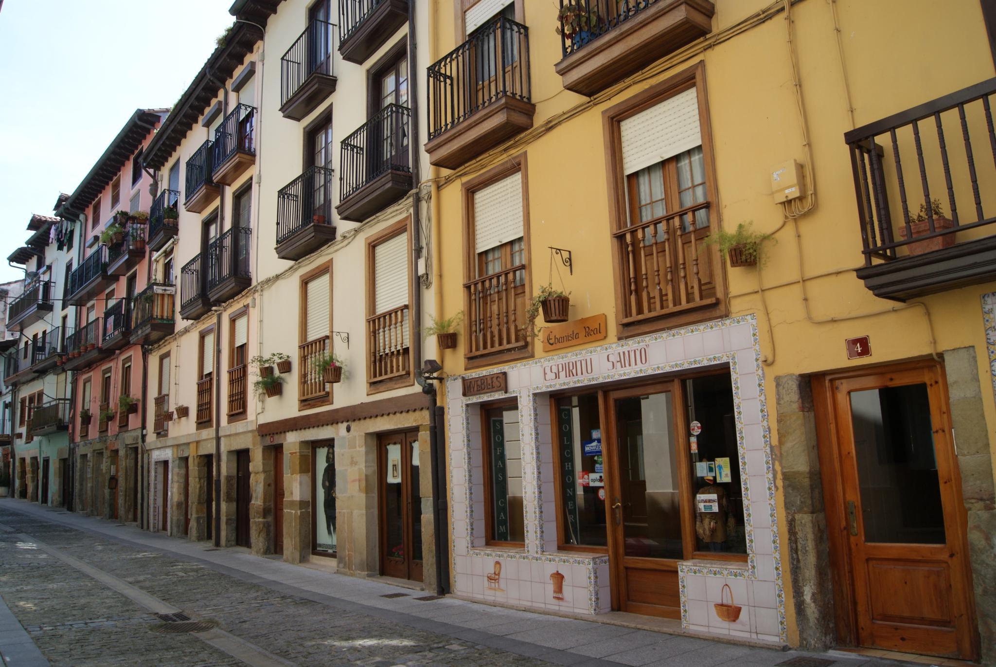 Laredo es la segunda ciudad de espa a donde mejor se for Oficina dni pamplona
